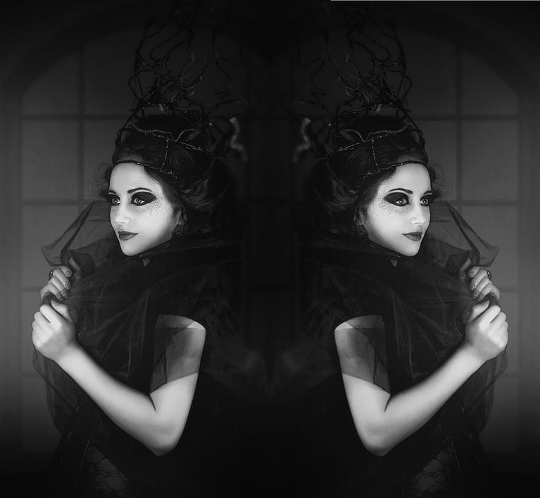 black-white-2338906_960_720