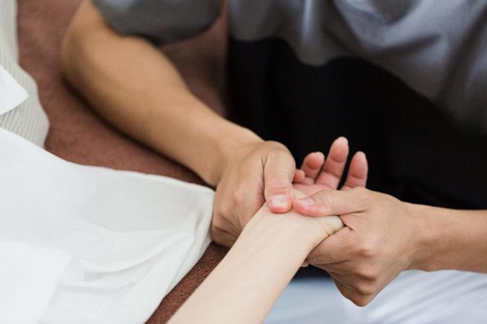 産後の手のしびれ